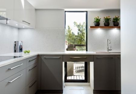 paduan konsep dapur rak atas