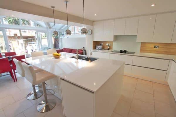 kabinet dapur tinggi sampai plafon dapur
